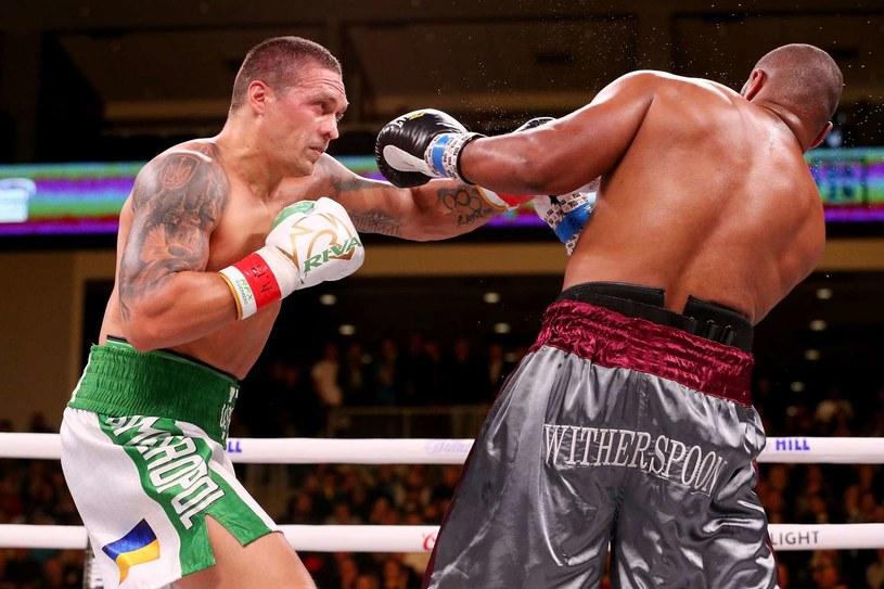 Aleksander Usyk w pojedynku z Chazzem Witherspoonem /AFP