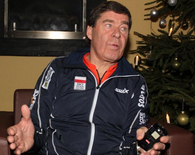 Aleksander Wierietielny po ogłoszeniu decyzji o wycofaniu Justyny Kowalczyk z Tour de Ski /Grzegorz Momot /PAP