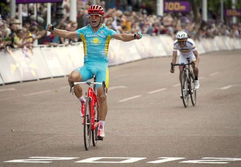 Aleksander Winokurow triumfuje w Londynie /AFP