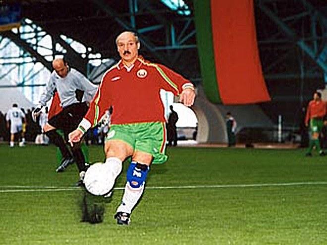 Aleksandr Łukaszenka gra nie tylko w hokeja /twitter