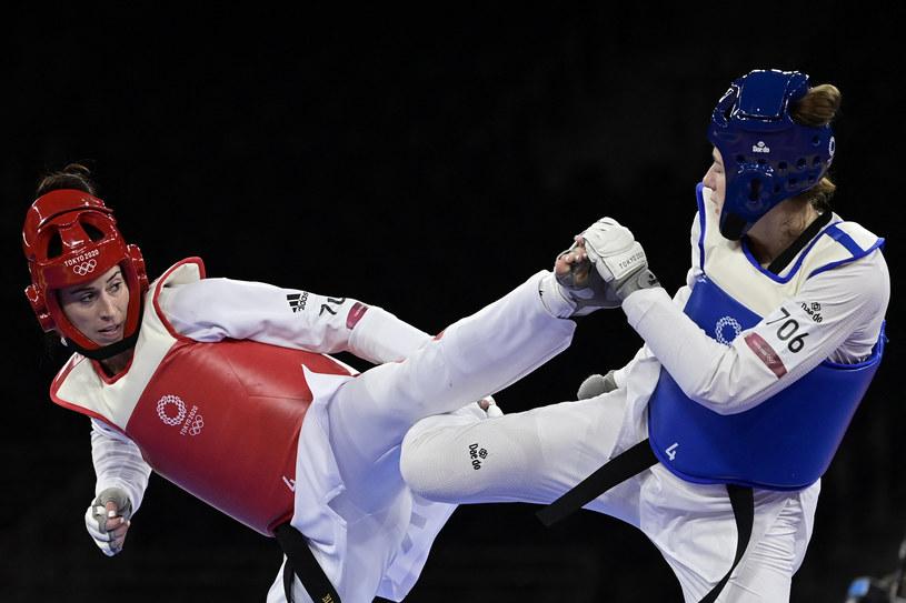 Aleksandra Kowalczuk (niebieskie akcenty) i Bianca Walkden w walce o medal /AFP