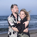 Aleksandra Kwaśniewska i Kuba Badach tulą się na plaży!