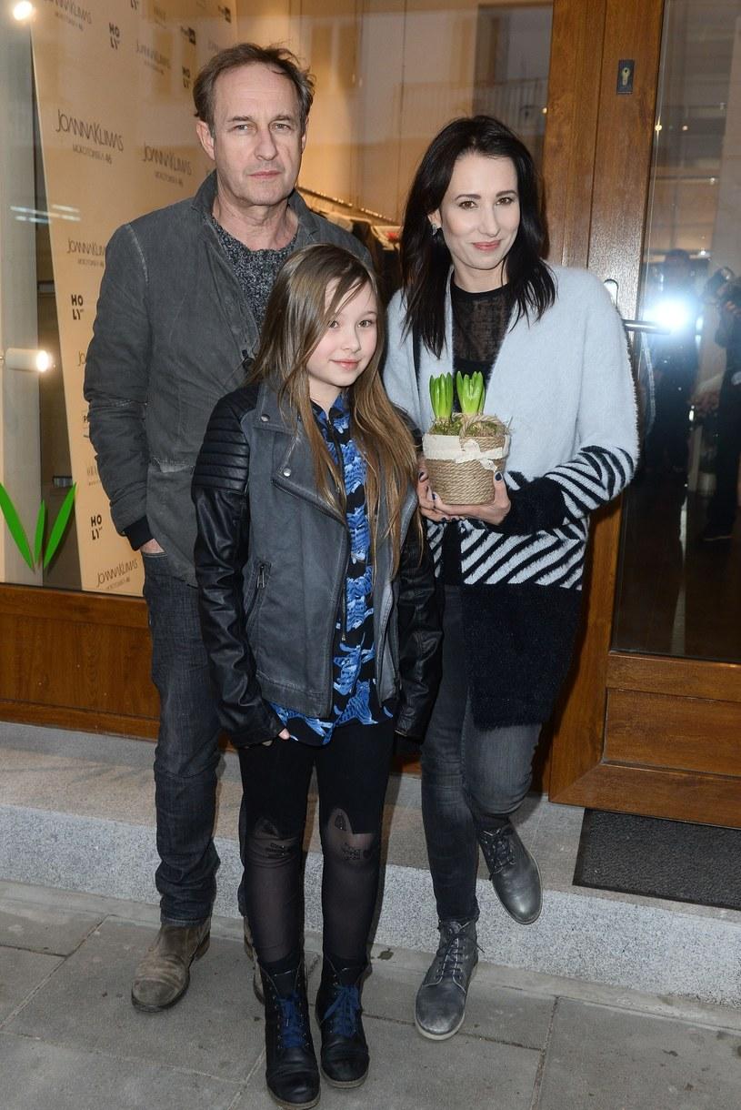 Aleksandra Popławska i Marek Kalita z córką Antosią /East News