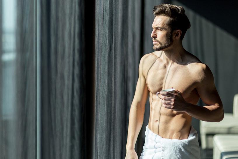 Aleksandry Herman: - Wciąż brakuje nam języka do opowiadania o męskim ciele. /123RF/PICSEL