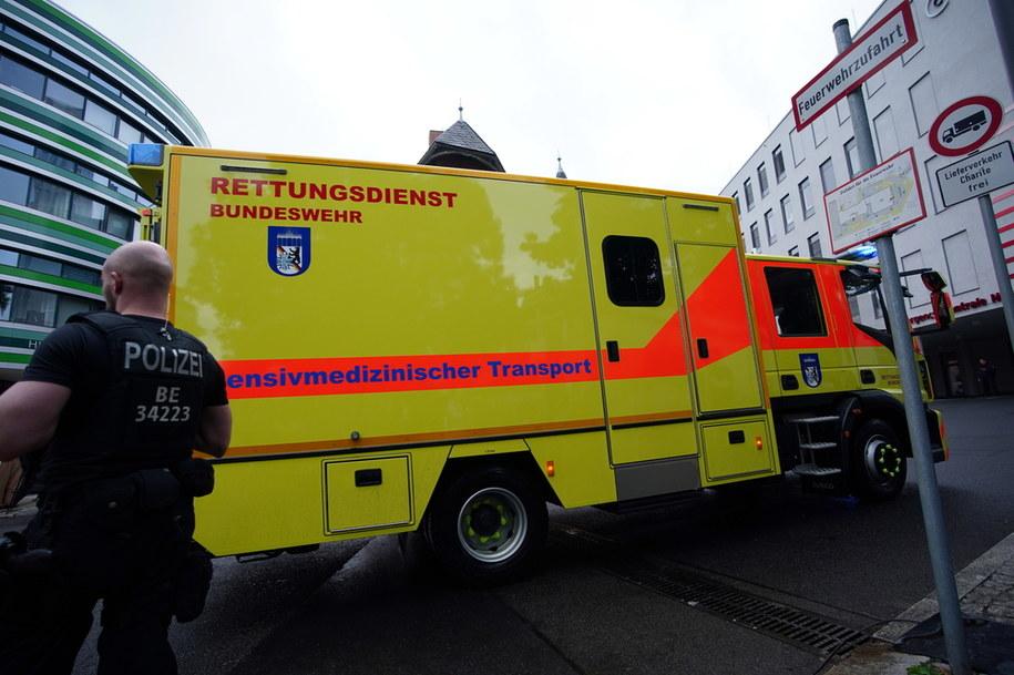 Aleksiej Nawalny został przewieziony do szpitala w Berlinie /Clemens Bilan /PAP/EPA