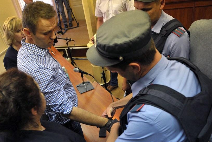 Aleksiej Nawalny zostanie odstawiony do kolonii karnej prosto z sali sądowej /AFP