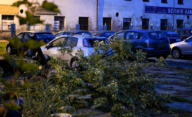 Alerty IMGW: Burze, grad. W okolicach Terespola przeszła trąba powietrzna