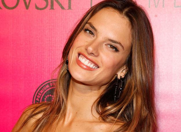 Alessandra Ambrosio /- /Getty Images/Flash Press Media