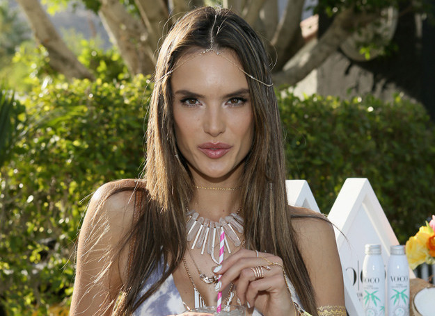 Alessandra Ambrosio /Getty Images