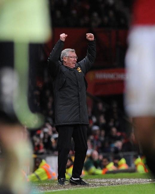 Alex Ferguson nażarł się sporo nerwów, ale w końcu mógł się cieszyć ze zwycięstwa. /- /PAP/EPA