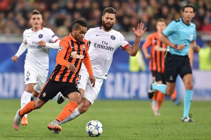 Alex Teixeira (pomarańczowy strój) w akcji /AFP