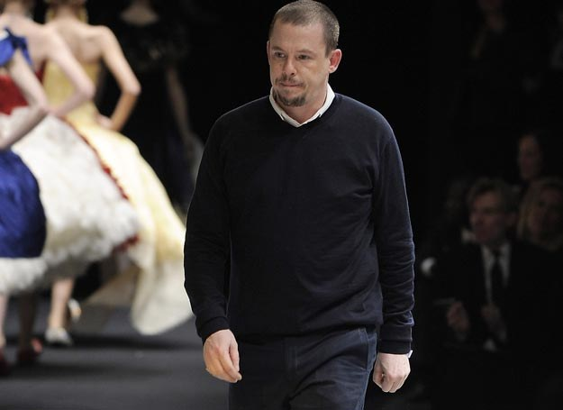 Alexander McQueen /Karl Prouse/Catwalking /Getty Images