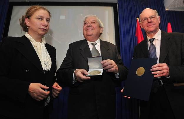 Alexandra Hildebrand (z lewej) na zdjęciu sprzed lat /AFP