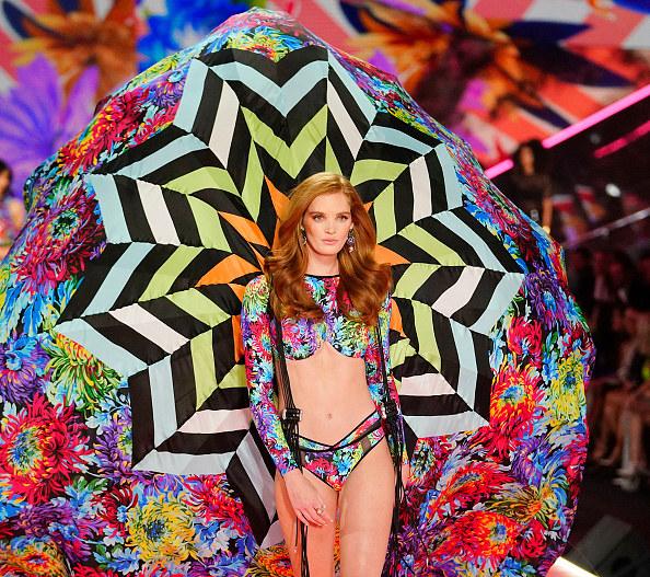 Alexina Graham dołącza do Aniołków Victoria's Secret /Getty Images