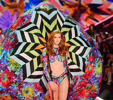 Alexina Graham dołącza do Aniołków Victoria's Secret