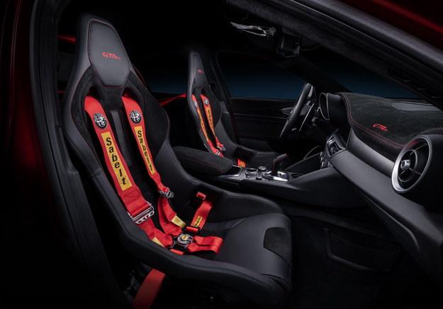 Alfa Romeo Giulia GTAm /Alfa Romeo