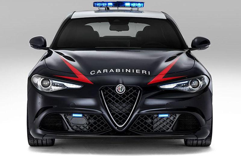 Alfa Romeo Giulia /