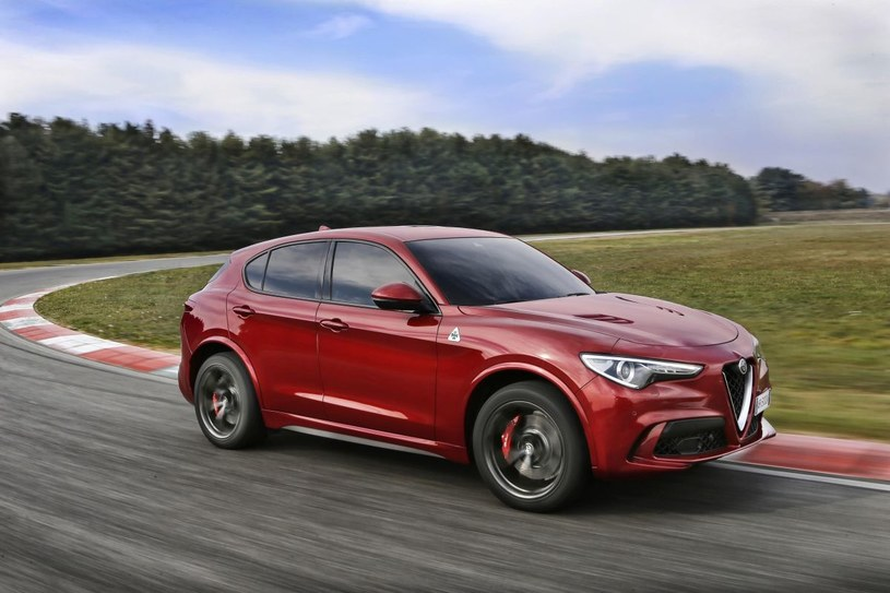 Alfa Romeo Stelvio Quadrifoglio /