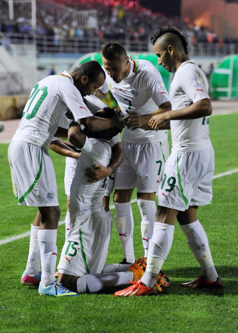 Algierscy piłkarze walczą o wyjazd na mundial /AFP