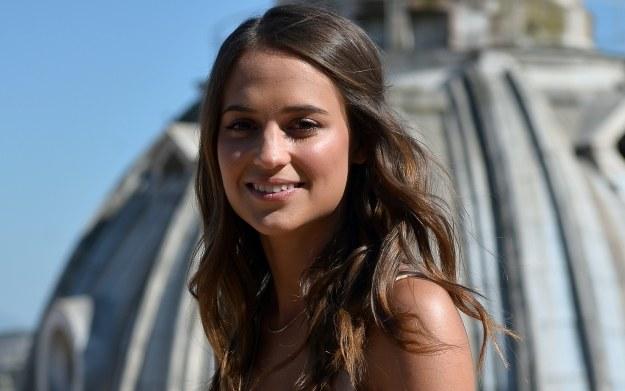 Alicia Vikander wkrótce zostanie nową panią archeolog /AFP
