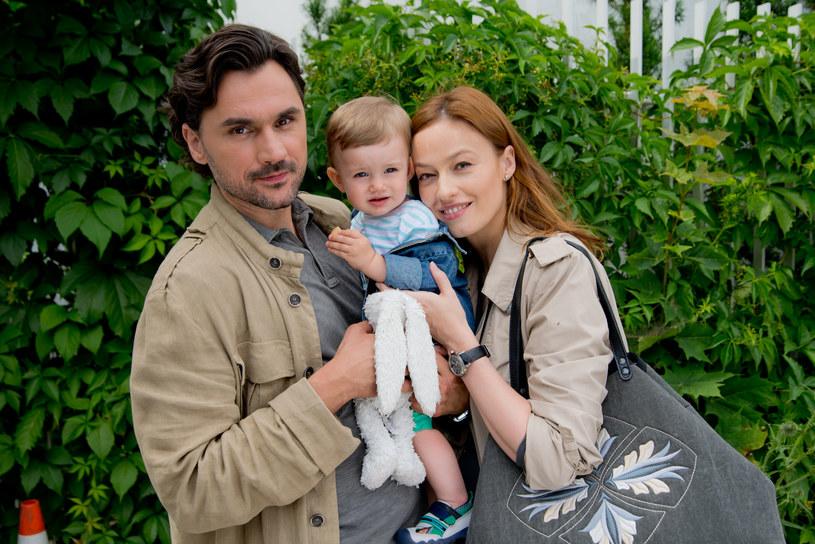 Alicja odnajdzie szczęście u boku Andrzeja, jednak interesować się nią będzie nie tylko on... /x-news/ Piotr Litwic /TVN