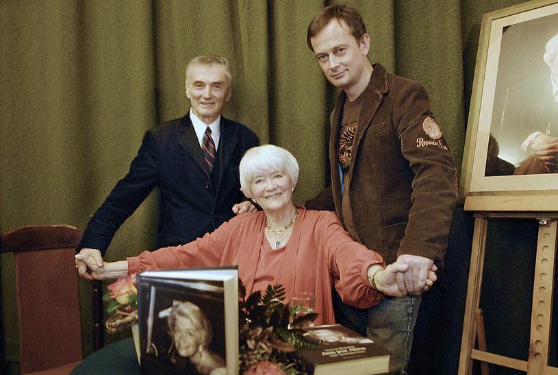 Alina Janowska z ukochanymi mężem i synem /AKPA