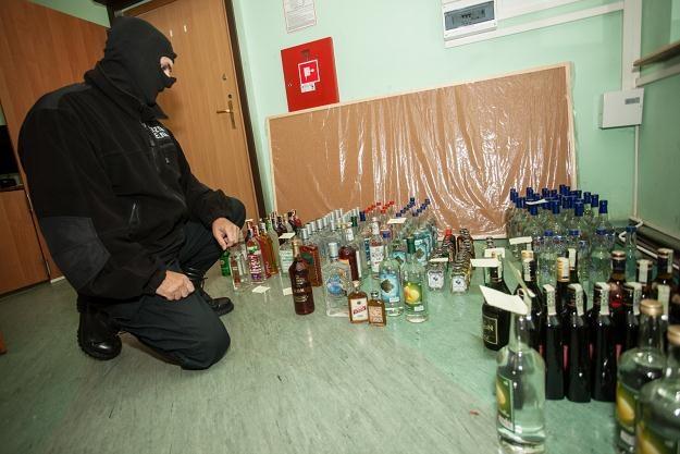 Alkohol metylowy spowodował śmierć co najmniej 23 osób, fot. Michał Walczak /PAP