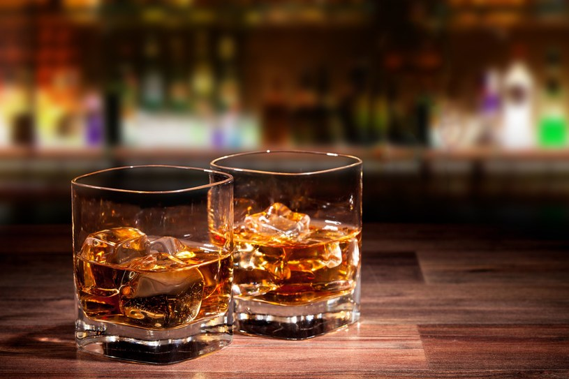 Alkohol może wpływać korzystnie na zapamiętywanie informacji /123RF/PICSEL