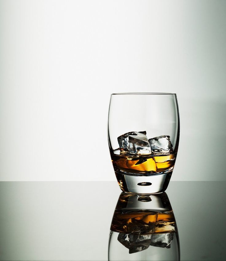 alkohol postarza /© Photogenica