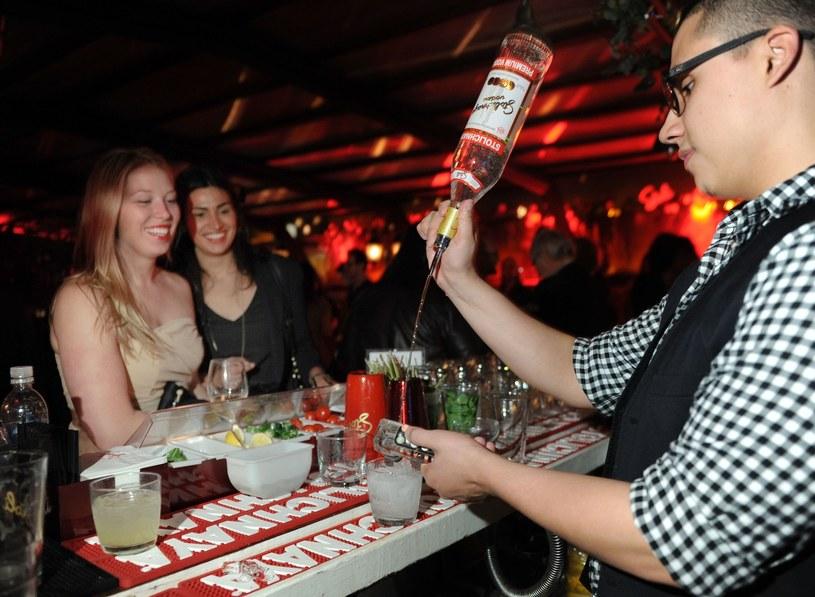 Alkohol stworzono dla ludzi, ale trzeba wiedzieć, jak właściwie się z nim obchodzić /Getty Images/Flash Press Media