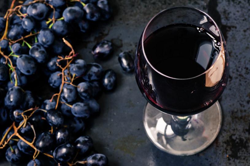 Alkoholu nie powinny pić osoby chorujące na serce /123RF/PICSEL