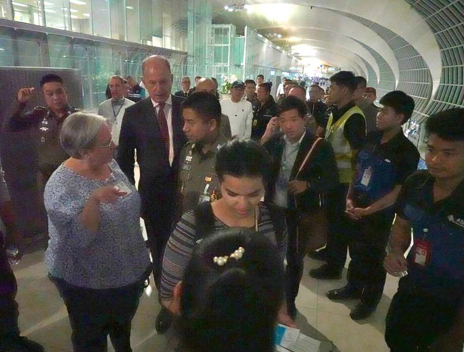 Alkunun zyskała światowy rozgłos barykadując się w pokoju w hotelu dworca lotniczego w Bangkoku /ROYAL THAI POLICE / HANDOUT /PAP/EPA