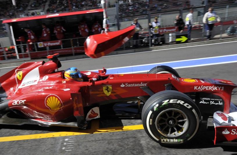 Alonso najszybciej jeździł podczas 3. treningu /AFP