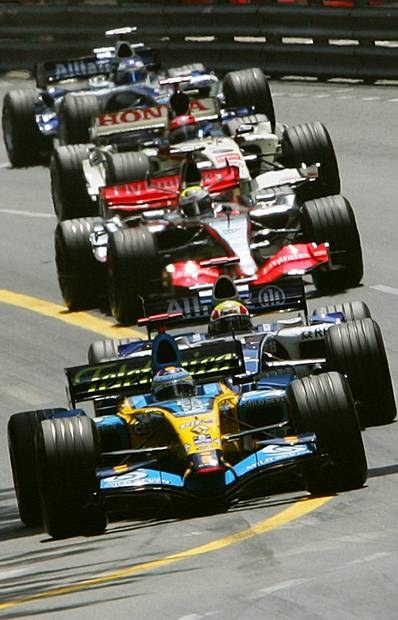 Alonso prowadził od startu do mety / Kliknij /AFP