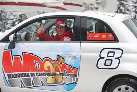 Alonso w fiacie 500 /