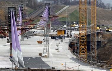 """Alpine Bau wycofała się z budowy mostu na A1. """"To kolejna kompromitacja ministra"""""""