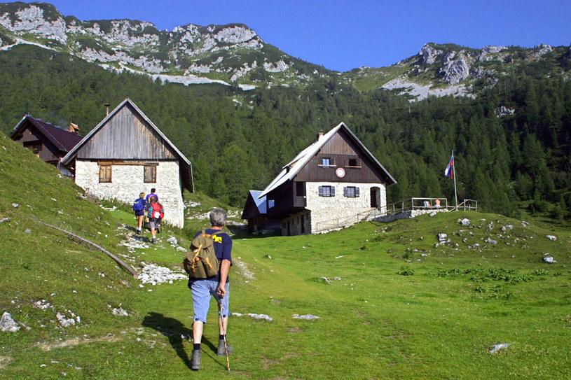 Alpy Julijskie to wymarzony kierunek miłośników gór. Wielu obcokrajowców dziwi fakt, że w tak małym kraju leżą tak majestatyczne i olbrzymie góry /AFP