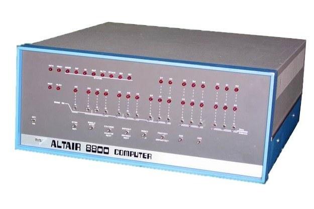 Altair 880 - maszyna uznawana za pierwszy w historii komputer osobisty /materiały prasowe