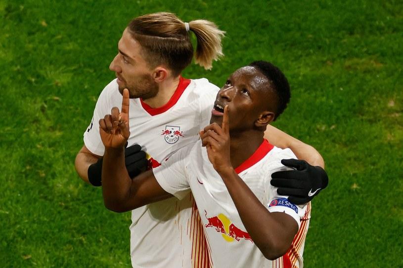 Amadou Haidara (z prawej) cieszy się z gola na 2-0 /AFP