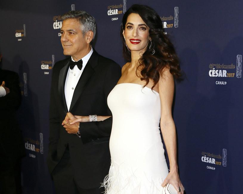 Amal doceniana jest przez media i branżę mody za swoje dopracowane w najdrobniejszych szczegółach stylizacje /East News