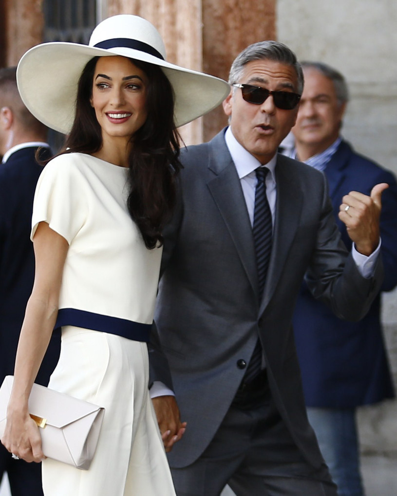 Amal jest wyjątkowa. Do tego stopnia, że George Clooney drugi raz w życiu postanawia się ożenić /AFP