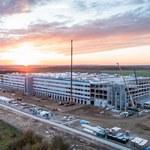 Amazon otwiera dziesiąte centrum logistyczne w Polsce - pracownikom pomogą roboty
