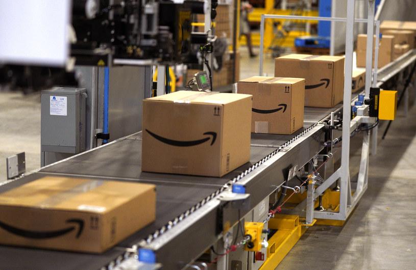 Amazon wprowadza kamery termowizyjne do swoich magazynów /AFP