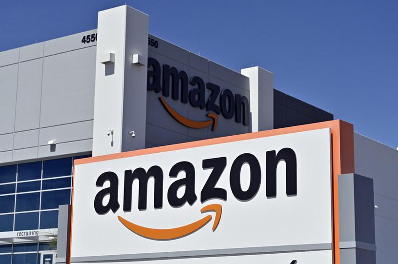 Amazon zwiększył sprzedaż podczas pandemii /AFP
