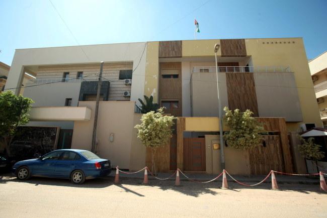 Ambasada Jordanii w Trypolisie /SABRI ELMHEDWI /PAP/EPA