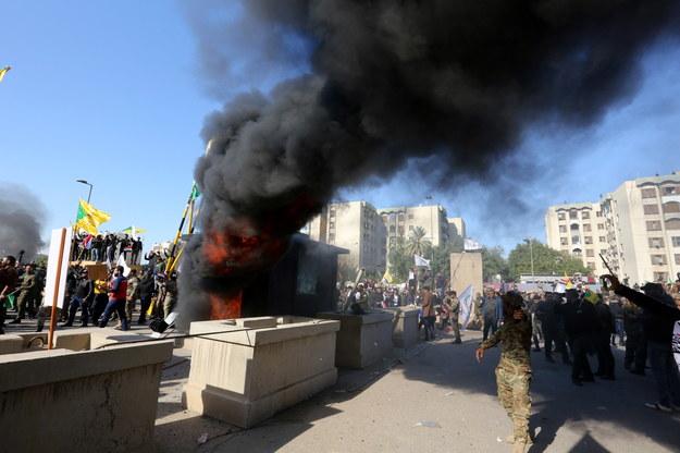 Ambasada USA w Bagdadzie została ewakuowana / AHMED JALIL    /PAP/EPA