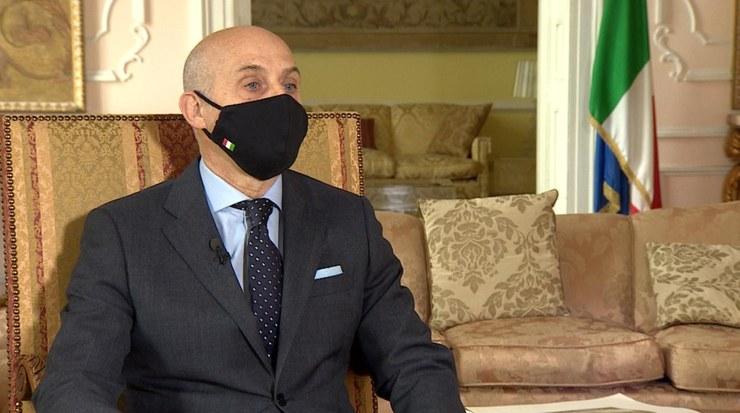 Ambasador Włoch w Polsce Aldo Amati udzielił wywiadu dziennikarzowi Polsat News /Polsat News