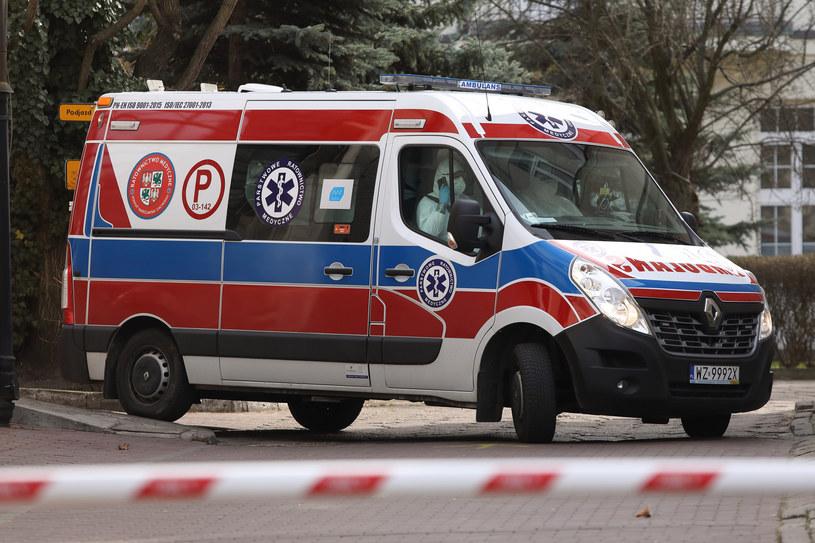 Ambulans, zdjęcie ilustracyjne /STEFAN MASZEWSKI/REPORTER /Reporter