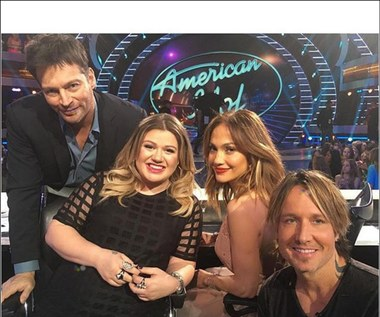 """""""American Idol"""": Kelly Clarkson urodzi na scenie?"""