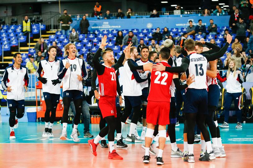 Amerykanie cieszą się po pokonaniu Serbii /www.fivb.org